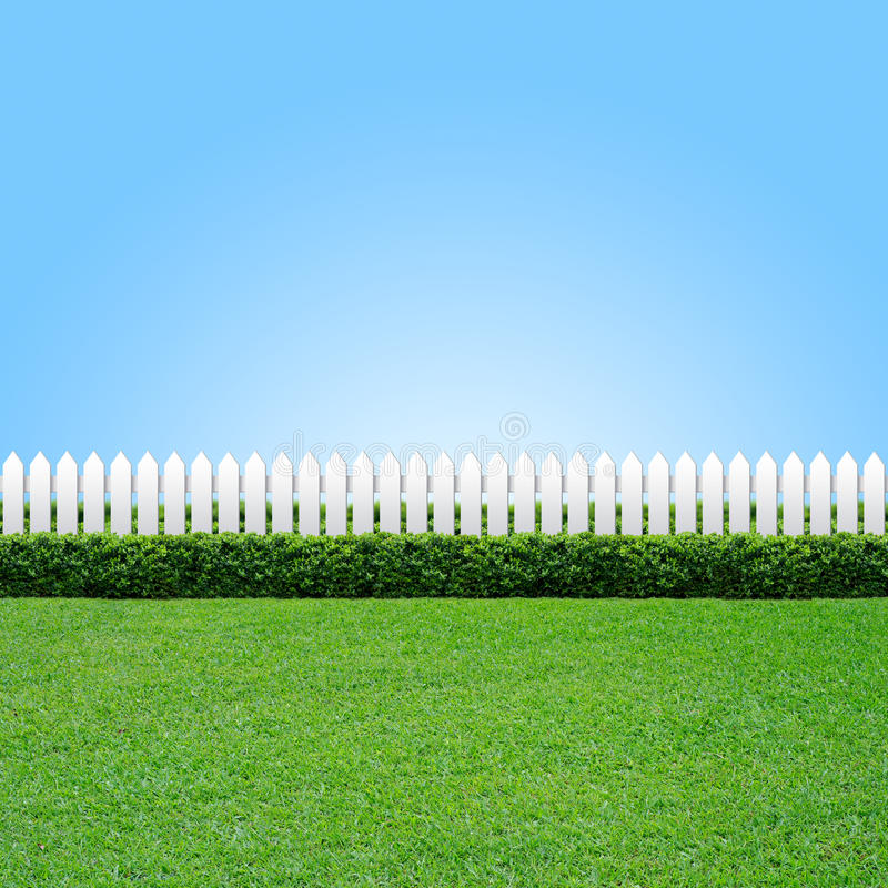Free White Fence And Green Grass Stock Image - 17243331