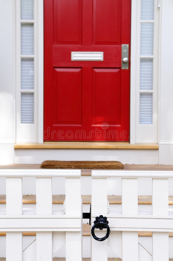 Free White Fence, Red Door Royalty Free Stock Photo - 9593365