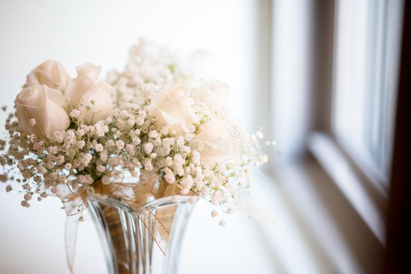 Free Public Domain Cc0 Image White Flowers In A Transparent Vase