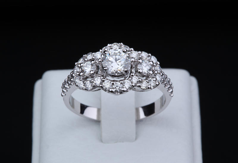 Download White Gold Diamond Ring With Stand Stock Photography - Image: 31919832