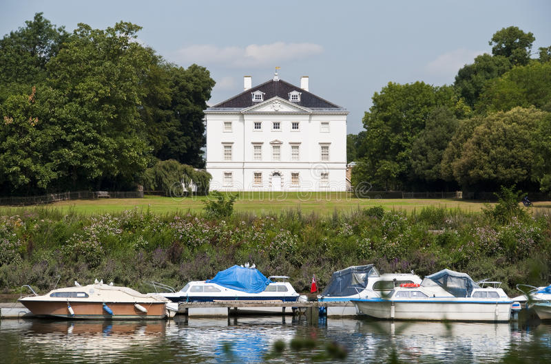 White house by the river Thames royalty free stock photos
