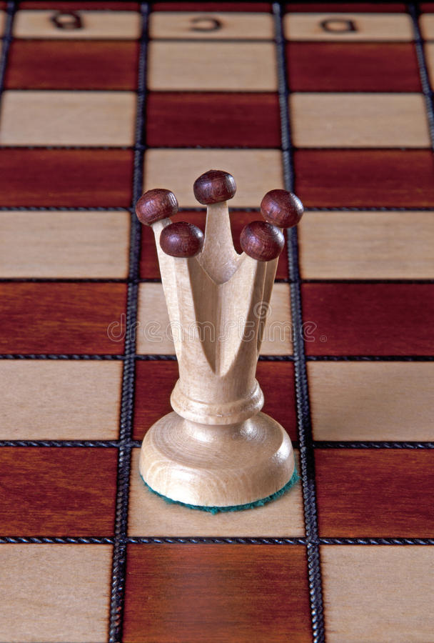 Free White Queen Chess Piece Royalty Free Stock Images - 78273769