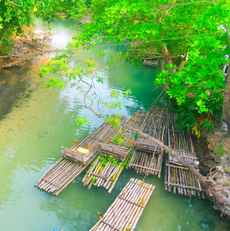 White River transportant par radeau à St Mary, Jamaïque - Ocho Rios images libres de droits