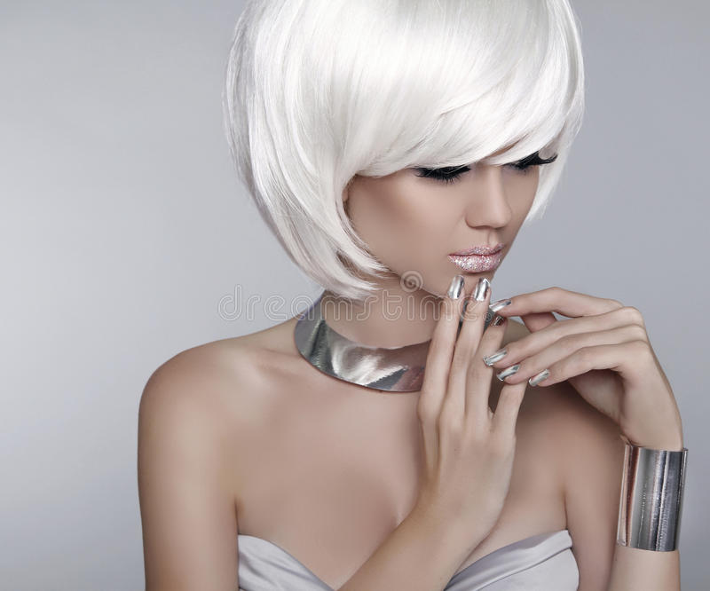 White Short Hair Fashion Stylish Blond Girl Model Haircut Hai - Haircut girl model