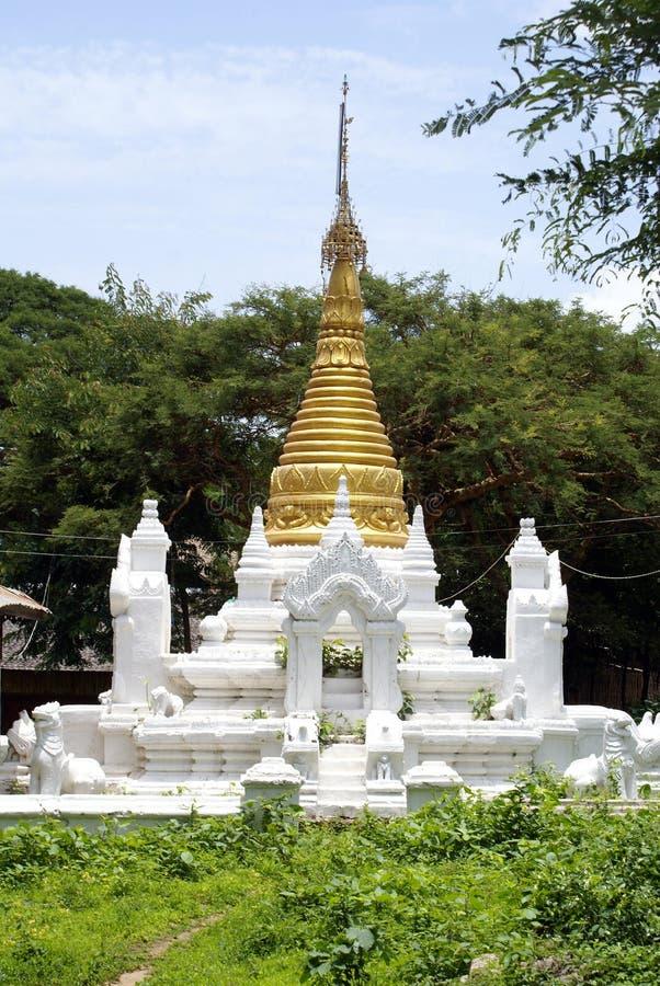 white stupa zdjęcie royalty free