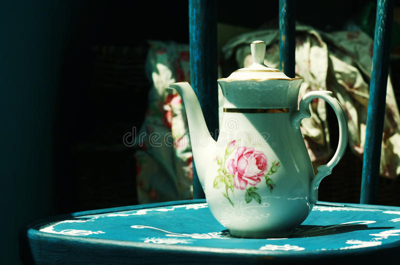 White Teapot Royalty Free Stock Photography