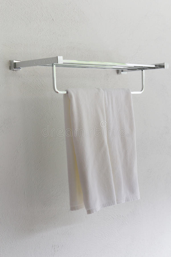 A white towel.
