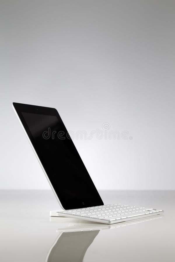 Download A White Usb Keyboard Attached To A Tablet Editorial Image - Image: 33528995