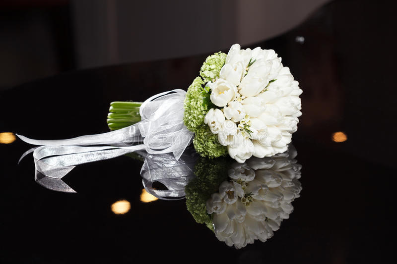 Download White wedding bouquet stock photo. Image of classic, anniversary - 31848582
