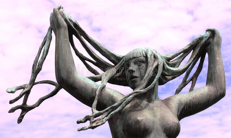 White Women Rock Statue Free Public Domain Cc0 Image