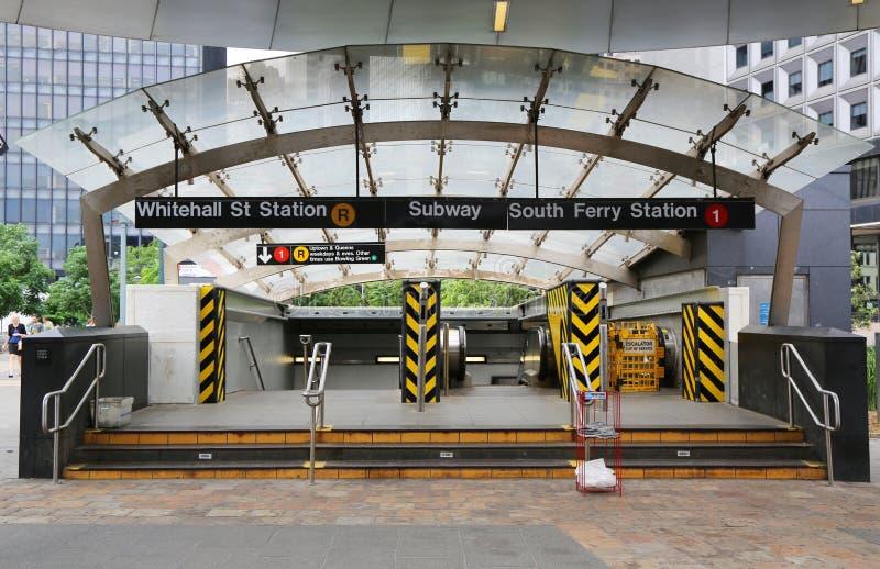 Download Whitehall Południe I Ulica Przewozimy Metra Wejście W Manhattan Obraz Stock Editorial - Obraz złożonej z stacja, aleje: 41953614