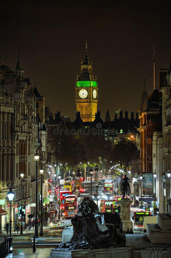 Whitehall, regardant à grand Ben Londres, l'Angleterre, R-U image stock