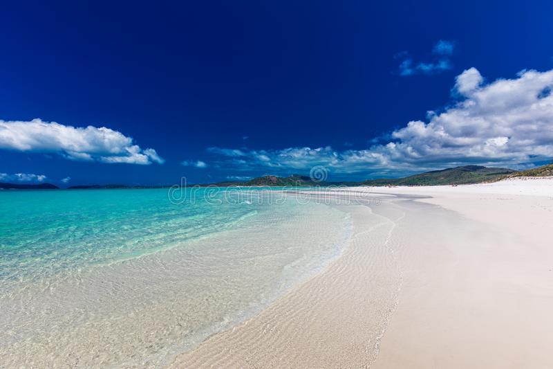 Whitehaven strand med vit sand i pingstdagöarna, Quee arkivfoto