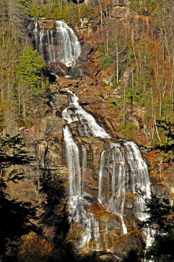 Whitewater cade in Nord Carolina occidentale. fotografie stock