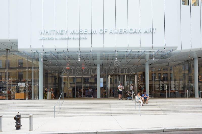 Whitney Museum van Amerikaanse Kunstvoorgevel met mensen in New York royalty-vrije stock foto's