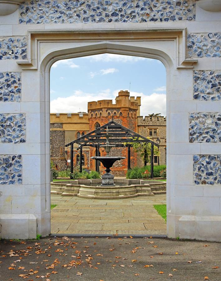 Whitstable城堡tankerton耸立老古老大厦成拱形门道入口 库存照片