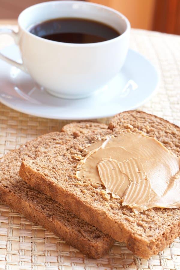 wholewheat кофе хлеба здоровый вкусный стоковые изображения