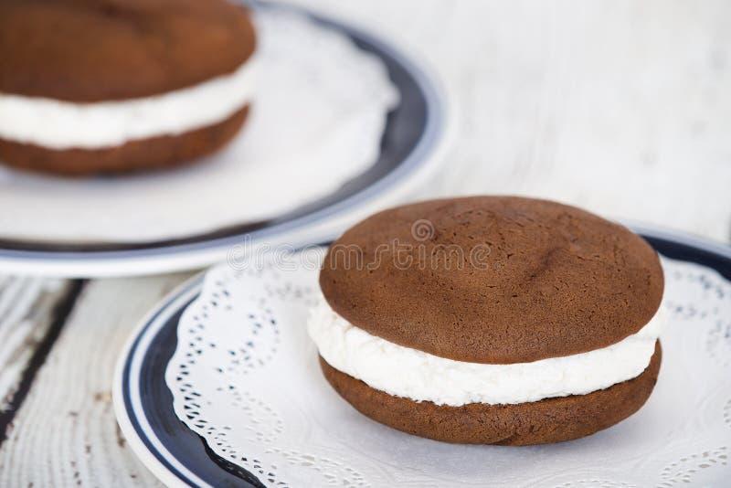Whoopie-Torte, ein Schokoladenkuchennachtisch stockfotografie
