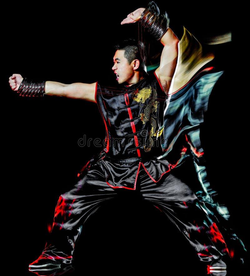Whushu kung chi?ski bokserski fu Wiesza? Gar wojownik odizolowywaj?cego m??czyzny zdjęcie royalty free