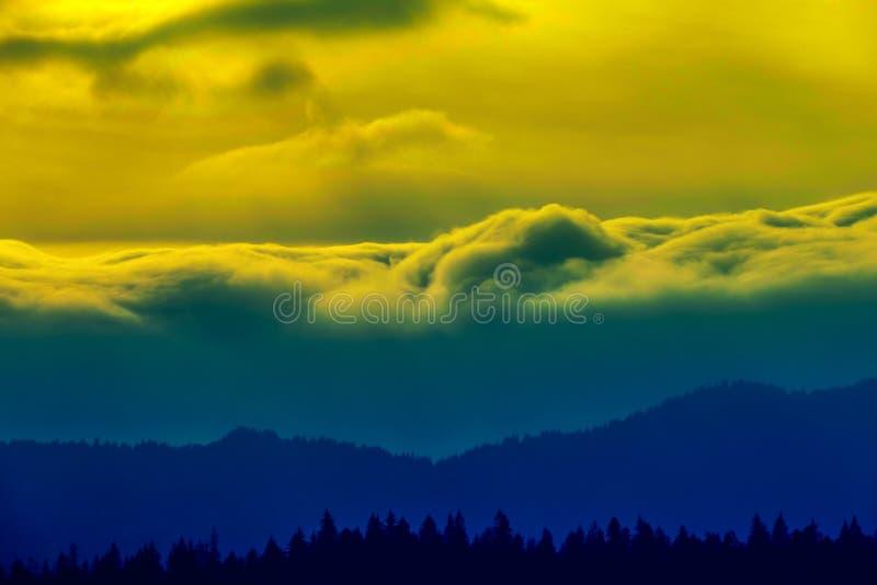 Whwn der Himmel werden ärgerlich stockfotos
