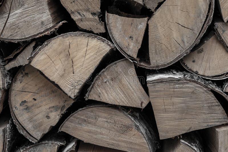 Wiązka brzoza notuje łupkę źródło upał ogień ogień sterta drewniany odłupany tło baza fotografia stock