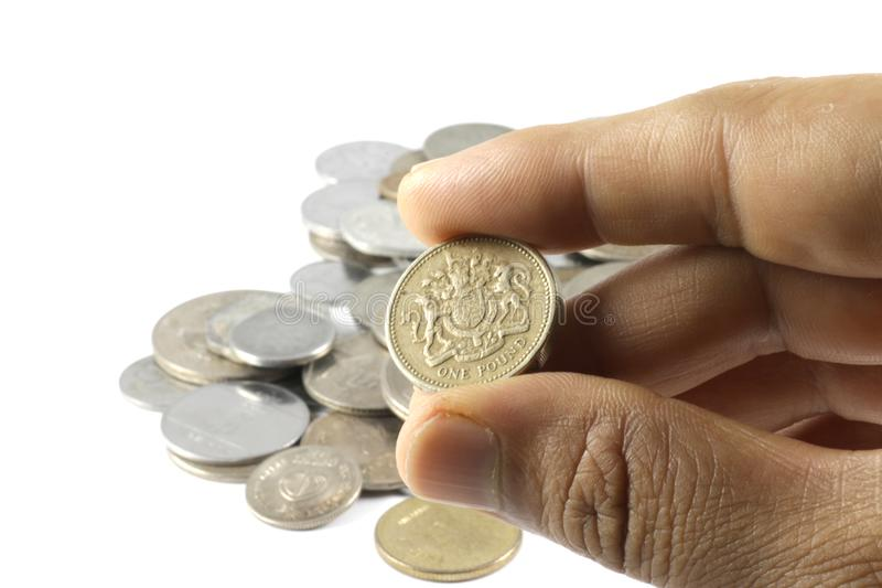 Wiązka Indiańskie walut monety w ręce zdjęcie stock