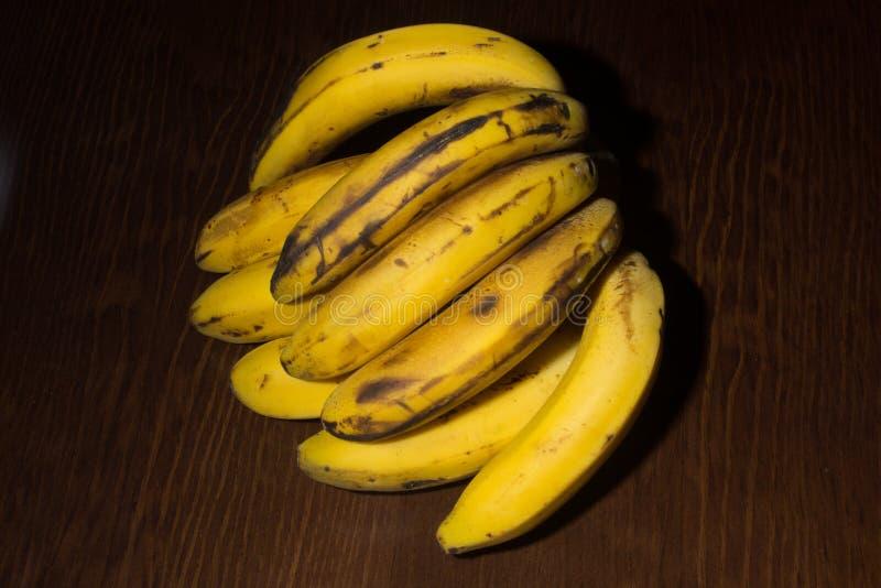 Wiązka kanarowi banany zdjęcia stock