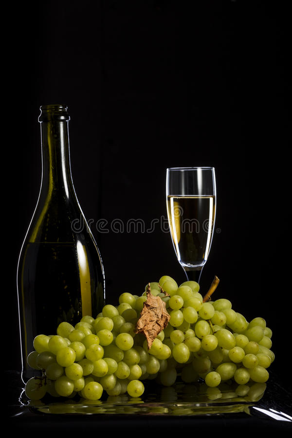 wiązki winogron zielony ilustracyjny realistyczny wektor fotografia stock