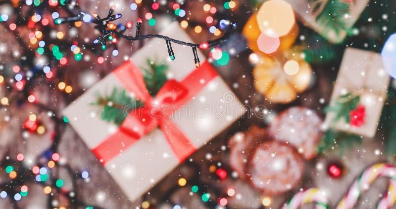 więcej toreb, Świąt oszronieją Klaus Santa niebo Bożenarodzeniowi ciastka czekolady, prezenty, tangerines, cukierek na plamy świa zdjęcia royalty free