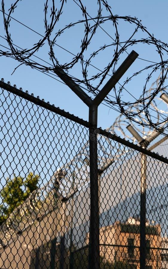 więzienie barbed kable obrazy stock