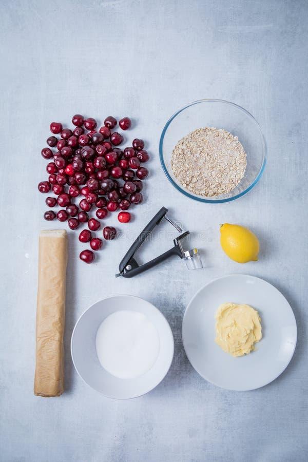 Wiśni ciasta owsów masła cukier zdjęcie royalty free
