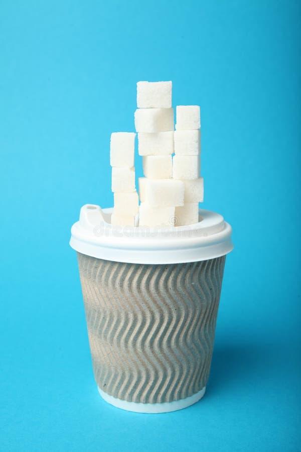 Wi?cej cukier w kawie, na??g, cukrzyce zdjęcie stock