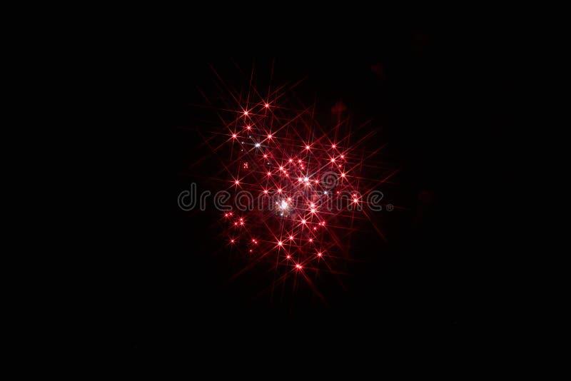 ?wi?teczni fajerwerki w ciemnym niebie fotografia stock