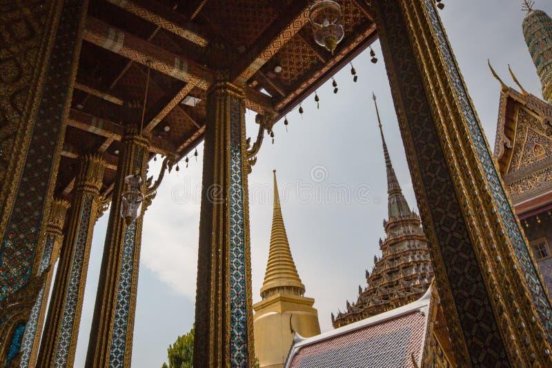 ?wi?tynia Szmaragdowy Buddha Wat Phra Kaew w Bangkok, Tajlandia zdjęcie royalty free