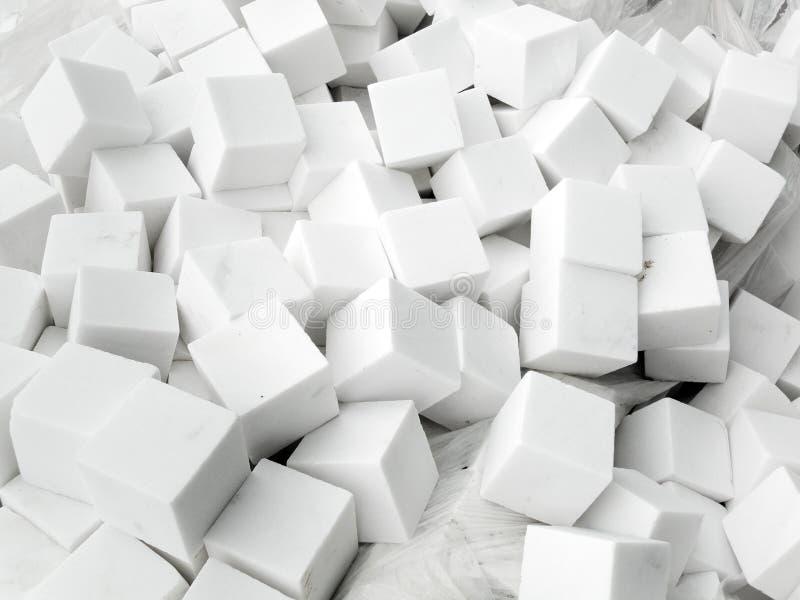 Download Wiązka biali brukowowie obraz stock. Obraz złożonej z winorośle - 57670505