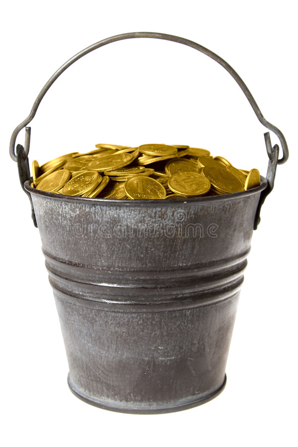 wiadro pełne monety złotego zdjęcia stock