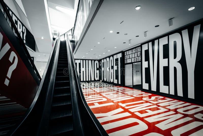 Wiary, wątpliwości eksponat przy Hirshhorn muzeum w Washingto +, obrazy stock
