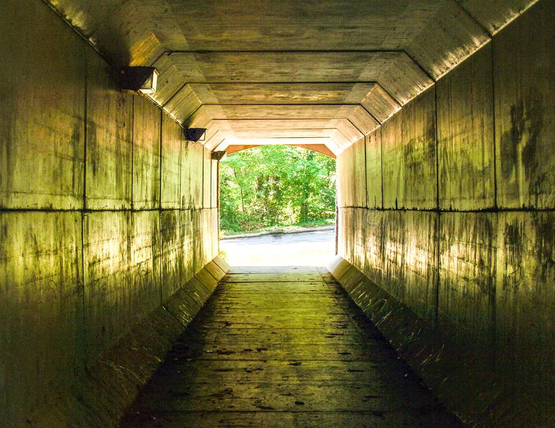 ?wiat?o przy ko?c?wk? tunel obrazy royalty free