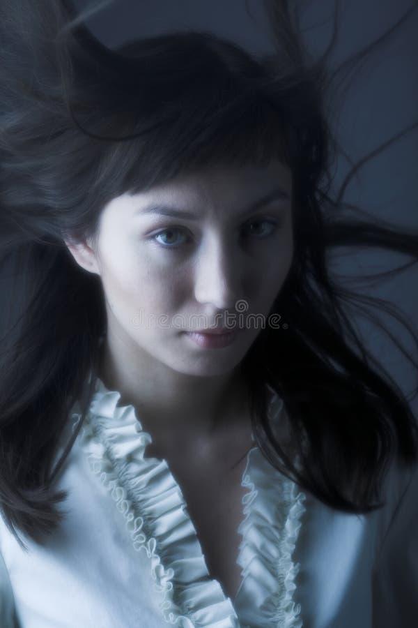 Wiatr w włosy obrazy stock