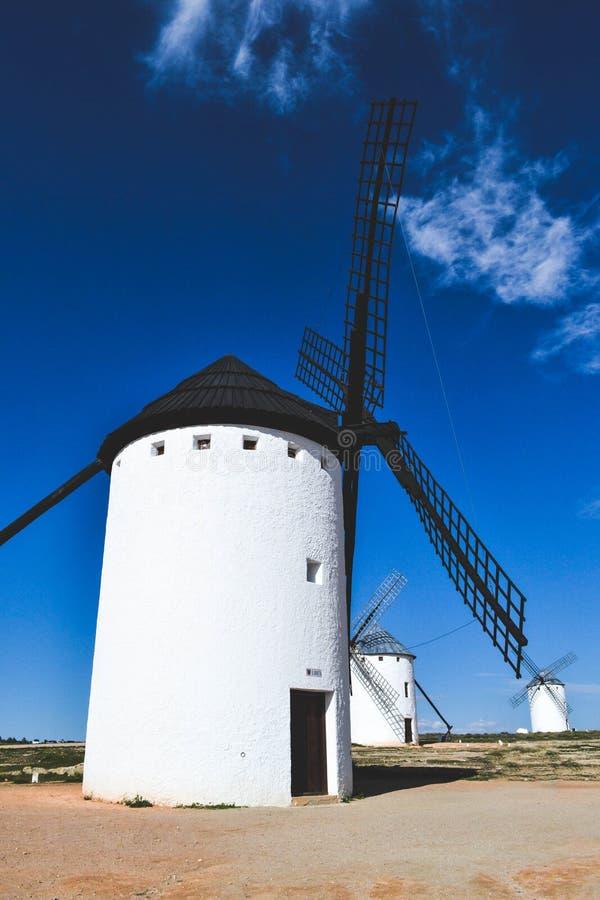 wiatraczki lokalizować w Castilla losie angeles Mancha w Hiszpania obrazy stock