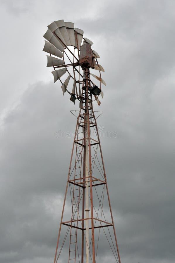 Wiatrowa pompa dla well wody fotografia royalty free