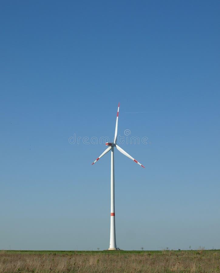 Wiatrowa rzemios?o technologia w naturze zdjęcia stock