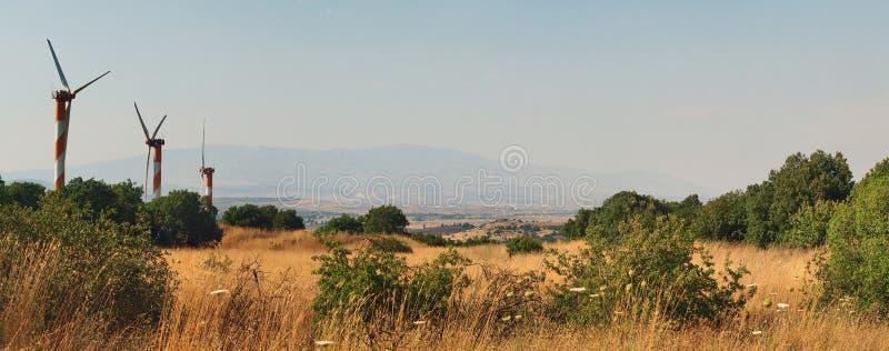 Wiatrowi generatory w wzgórze golan obraz stock