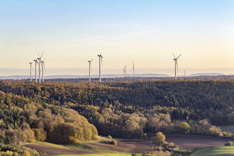 Wiatrowy gospodarstwo rolne wokoło Einkorn blisko Schwaebisch Hall fotografia stock