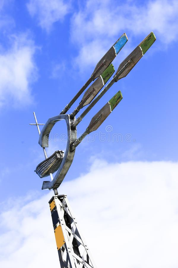 Wiatrowy kierunkowy mówi przyrząd robić z stalowych wioślarskich wioseł fotografia stock