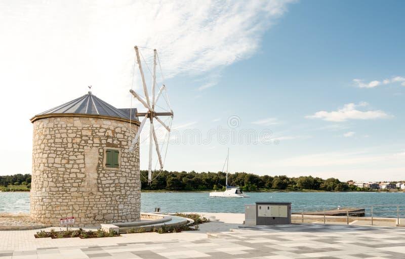 Wiatrowy młyn w Medulin, Chorwacja obrazy royalty free