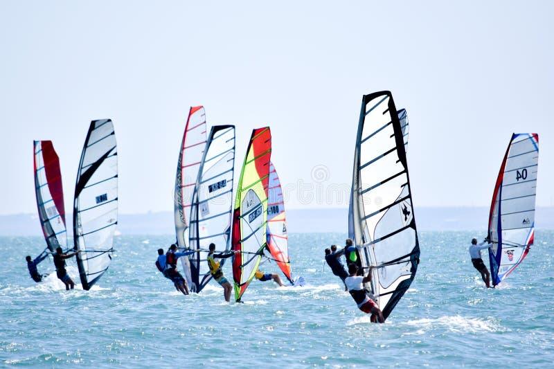 Wiatrowy surfing w letnim dniu zdjęcie stock