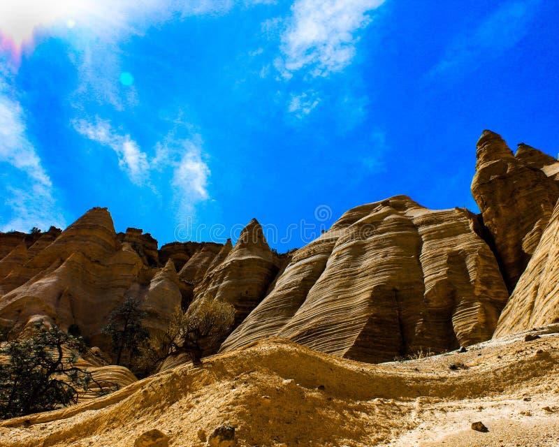 Wibrująca namiot skały góra zdjęcie stock