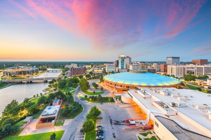 Στο κέντρο της πόλης ορίζοντας του Wichita, Κάνσας, ΗΠΑ στοκ εικόνα με δικαίωμα ελεύθερης χρήσης