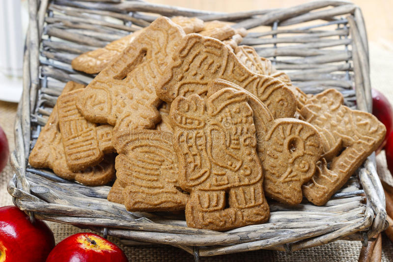 Download Wicker Basket Of Speculaas Biscuits Stock Image - Image: 38801395